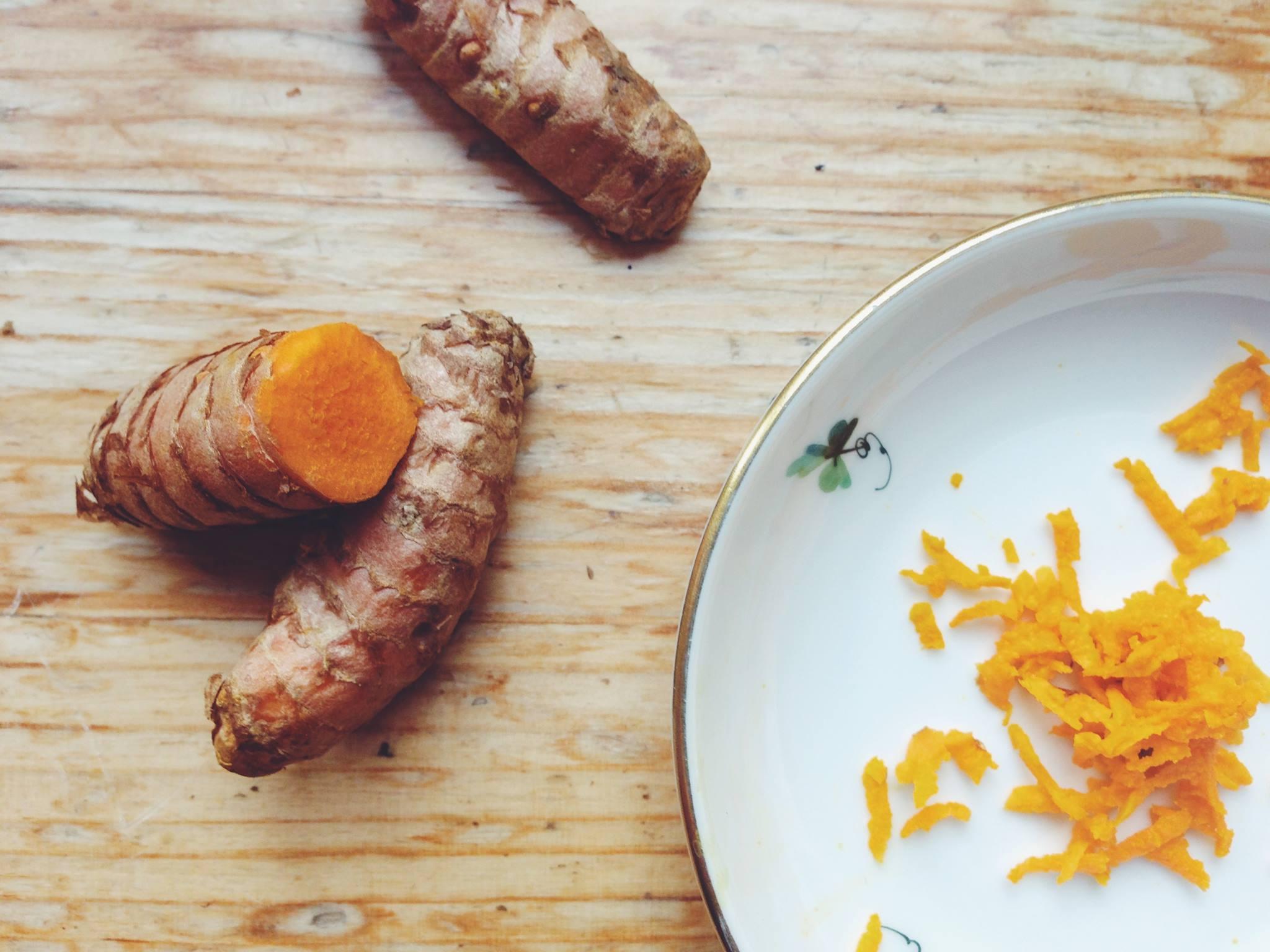 Fructose free recipes: Turmeric milk // Fructosearme Rezepte: Kurkuma-Milch // Fructopia.de