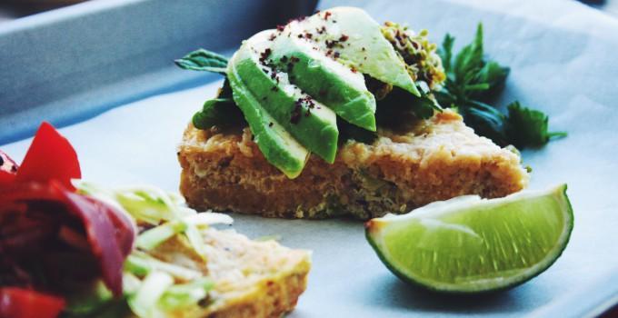 FODMAP-armes Lunch-Rezept: Glutenfreie, low Carb Polenta-Frittata