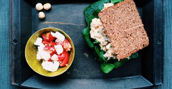 5 Ingredient Low FODMAP Challenge: Mackerel-Hazelnut-Spread With Feta-Tomato-Thyme-Salad