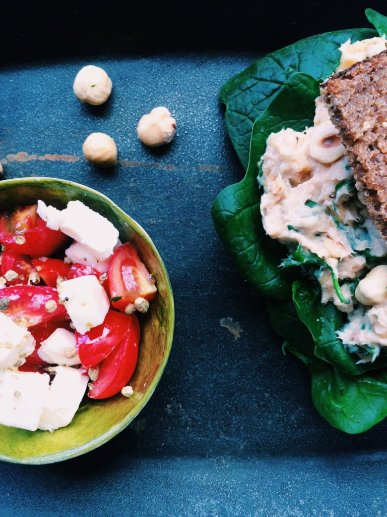 5 Ingredient Low FODMAP Challenge: Mackerel-Hazelnut-Spread With Feta-Tomato-Thyme-Salad for Colleen from FODMAPLife.com|fructopia.de