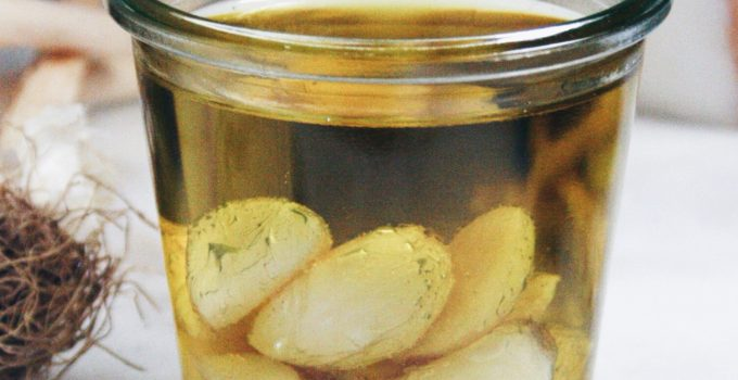 (Deutsch) Mit diesem Trick holst du den Knoblauch zurück in deine Küche: Fructosearmes Knoblauchöl