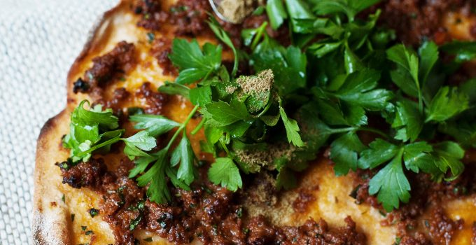 Crispy Lahmacun – Homemade Turkish Pizza with Minced Meat and Herbs