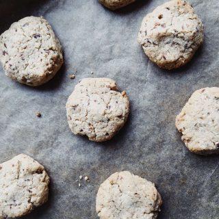 Leckere Kekse in 20-Minuten: Erdmandelkekse – getreidefrei, glutenfrei, vegan und ohne raffinierten Zucker
