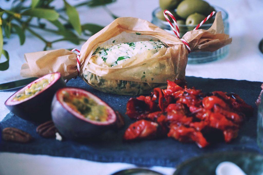 Kräuterbutter mal anders: Mehr als frischgebackenes Brot braucht man nicht, wenn man diese Gewürzbutter hat! Weihnachtliche Gewürze und scharfer Ingwer machen deine Stulle komplett! Fructopia.de
